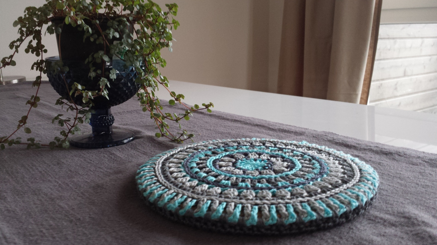 Mandala Style Trivet Cover Stitches And Supper
