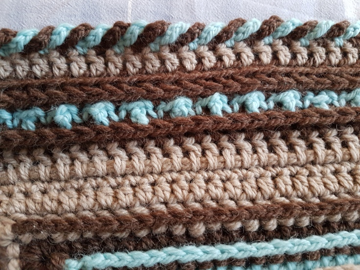 Tips and tricks on moogly cal 2016 stitches and supper after joining the outer edges on the blanket are not even due to the different designers so i started by crocheting a couple of rounds altering single ccuart Images
